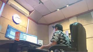 Relaxing piano in Studio