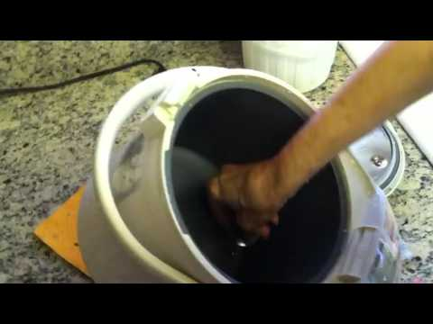 How to cleanThe Zojirushi Hot Water Container