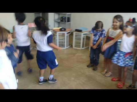 Colégio Royal Objetivo - Aula de música Infantil 3