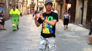 Как научиться танцевать dubstep: изоляции + волны(Научиться танцевать у Дракона: http://www.drakoni.ru/331 Получить Бонус: http://www.drakoni.ru/bonus.html Skill Up. Самоучитель по танцам...., 2012-11-24T09:11:31.000Z)