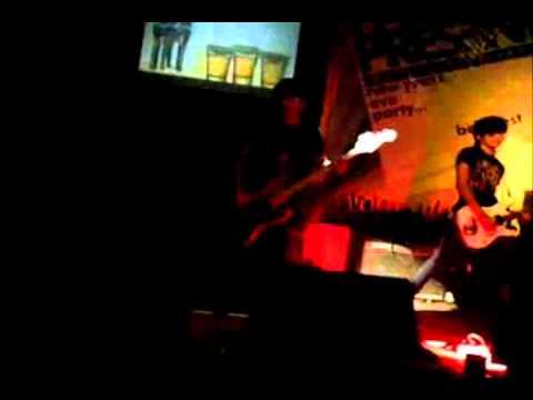 INCAT -Cover Paramore - Monster @ Famestation 2011 (INDIE BANDUNG).wmv