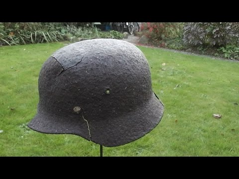 WW2 Relikte Teil 112 : Deutscher Stahlhelm am Waldrand gefunden