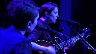 "Tegan and Sara - ""Back In Your Head"" (eTown webisode #492)"
