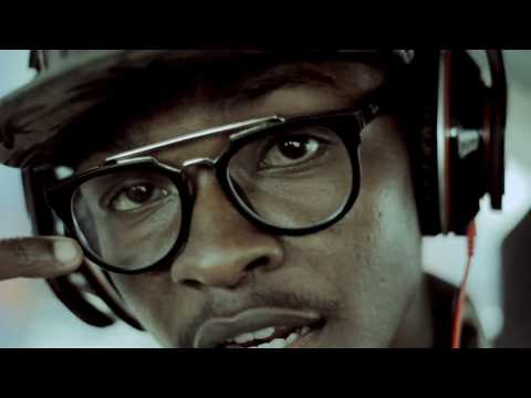 Akanjo gony - Ngiah Tax Olo Fotsy (clip officiel)