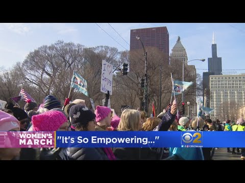 Hundreds Of Thousands Attend Chicago Women's March