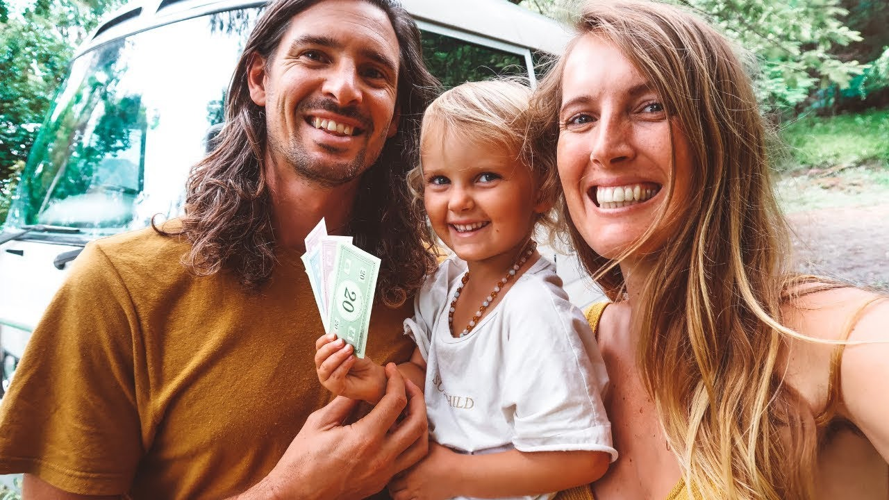 TINY HOUSE With Kids | How We Make Money Online
