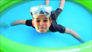 Tata a gresit   Bogdan il pedepseste in piscina cu Gelli Baff   Sketch Bogdan Show   Video for Kids