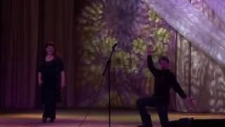 Cерпухов.Приколы с пьяными мужиками.A drunk man came on stage and began to dance
