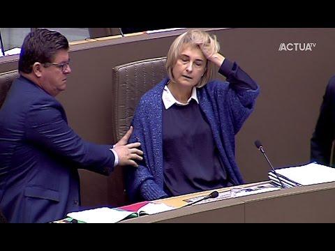 Hilde Crevits wordt onwel in Vlaams Parlement