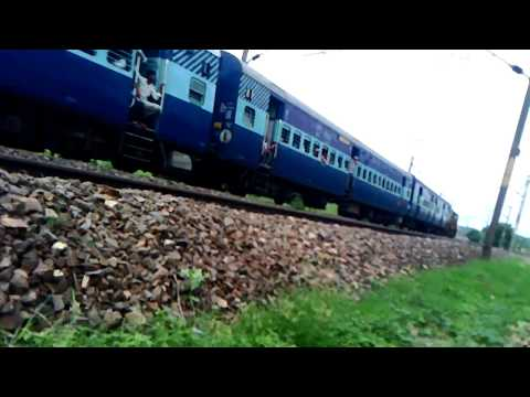 Gwalior Howrah CHAMBAL Express Comes To Halt With SPJ WDP-4D In Lead[Indian Railways]