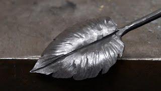 Blacksmithing - Forging a larger decorative leaf