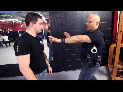 WEAPON RETENTION - Police Wing Chun