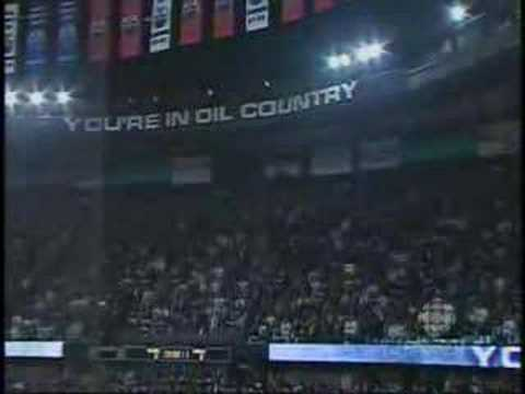 Edmonton Oilers Fans sing O Canada