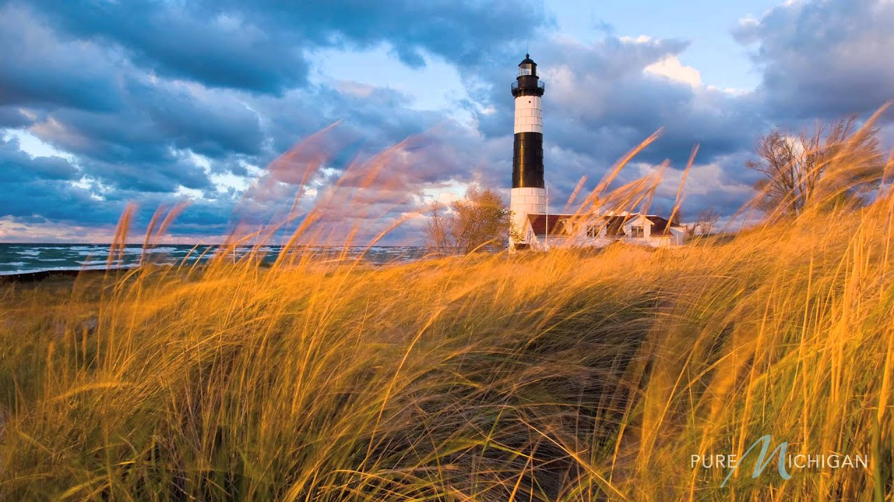 Fall In New England Wallpaper Lighthouses In Michigan A Pure Michigan Summer Youtube