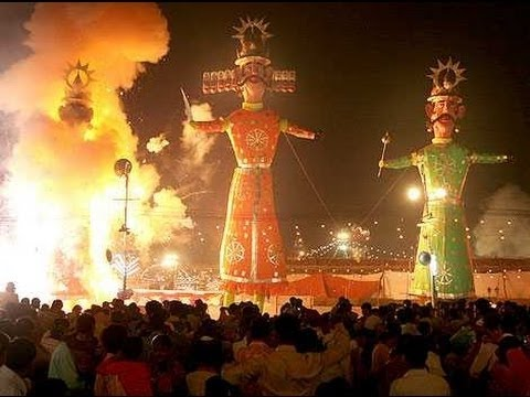 Ravan (Dahan) Huge Ravan Burning at ramlila maidan Delhi NCR Qutab Minar Mehrauli 2016 india