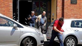 فيديو.. الشرطة الإسبانية تداهم مكاتب جوجل في مدريد