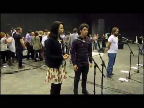 Les Miserables 25th Anniversary Special Edition - Behind The Scenes At Rehearsals