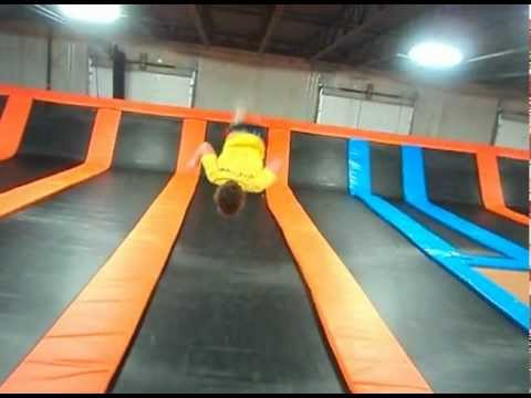 airmaxx trampoline park st cloud mn doovi. Black Bedroom Furniture Sets. Home Design Ideas