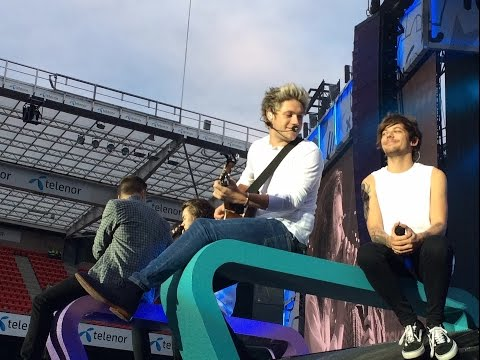 One Direction OTRAT Oslo, Front Row + McBusted Opening Act