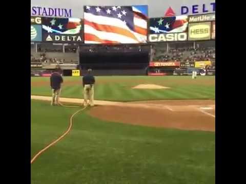 CNCO en Yankee Stadium