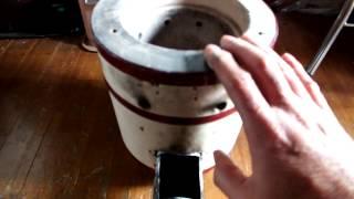 廃油とマキを兼用する練炭コンロのロケットストーブ thumbnail