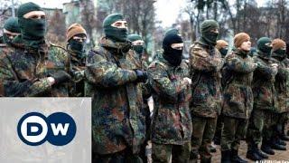 Women and the Azov battalion in Kyiv, Ukraine | DW Documentary