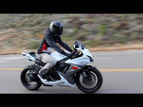 2015 GSXR 600 M4 vs Stock Exhaust Sound