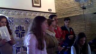 coro juvenil Sta Mª del Alcor ( abre la puerta maria) .AVI