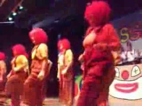 Lustiger Clown Tanz Der Hupfdohlen An Fasching Zugabe Youtube