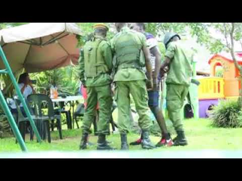 Lusaka Man Proposes To His Girlfriend Amidst Armed Police | www.ZambianMusic.net