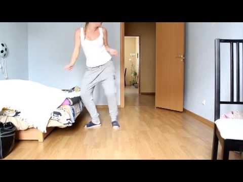 Женщина дрочит девушка танцует дома видео блядью