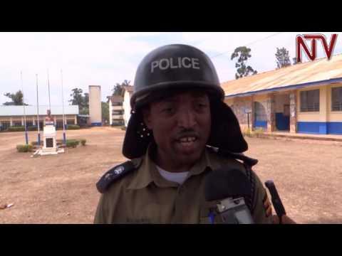 Okwediima kw'abayizi: Aaba Muteesa Royal University poliisi ekyabaggalidde