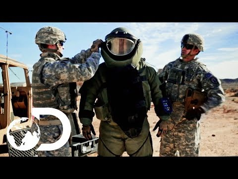 How To Build A Bomb Disposal Suit | How To Build Everything