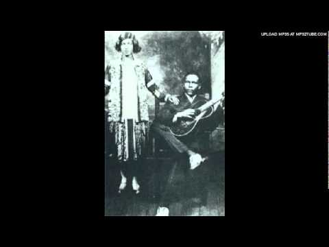 Kansas Joe McCoy & Memphis Minnie - When the Levee Breaks