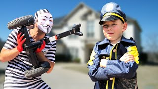 Police baby Super Lev catch the Robber and Adventure with Segway