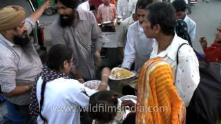 Free food for the needy by Jab Jab Sewa NGO, Delhi