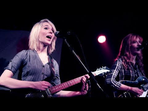 Revolution - MonaLisa Twins (The Beatles Cover) live!