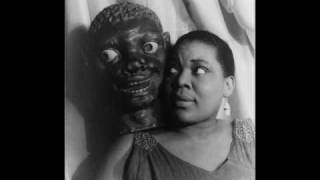 Bessie Smith- I need A Little Sugar In My bowl