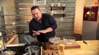 Куриные котлетки с креветками с соусом субиз и полентой