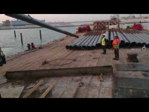 Driving Long Pile with Hammer Machine, Marine Works