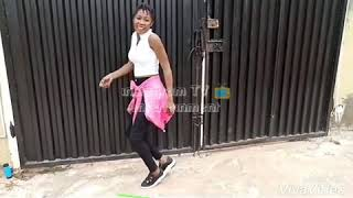 Download Video OMO IBADAN COSIN SENTA Lizzyjay twerk on fuji music MP3 3GP MP4