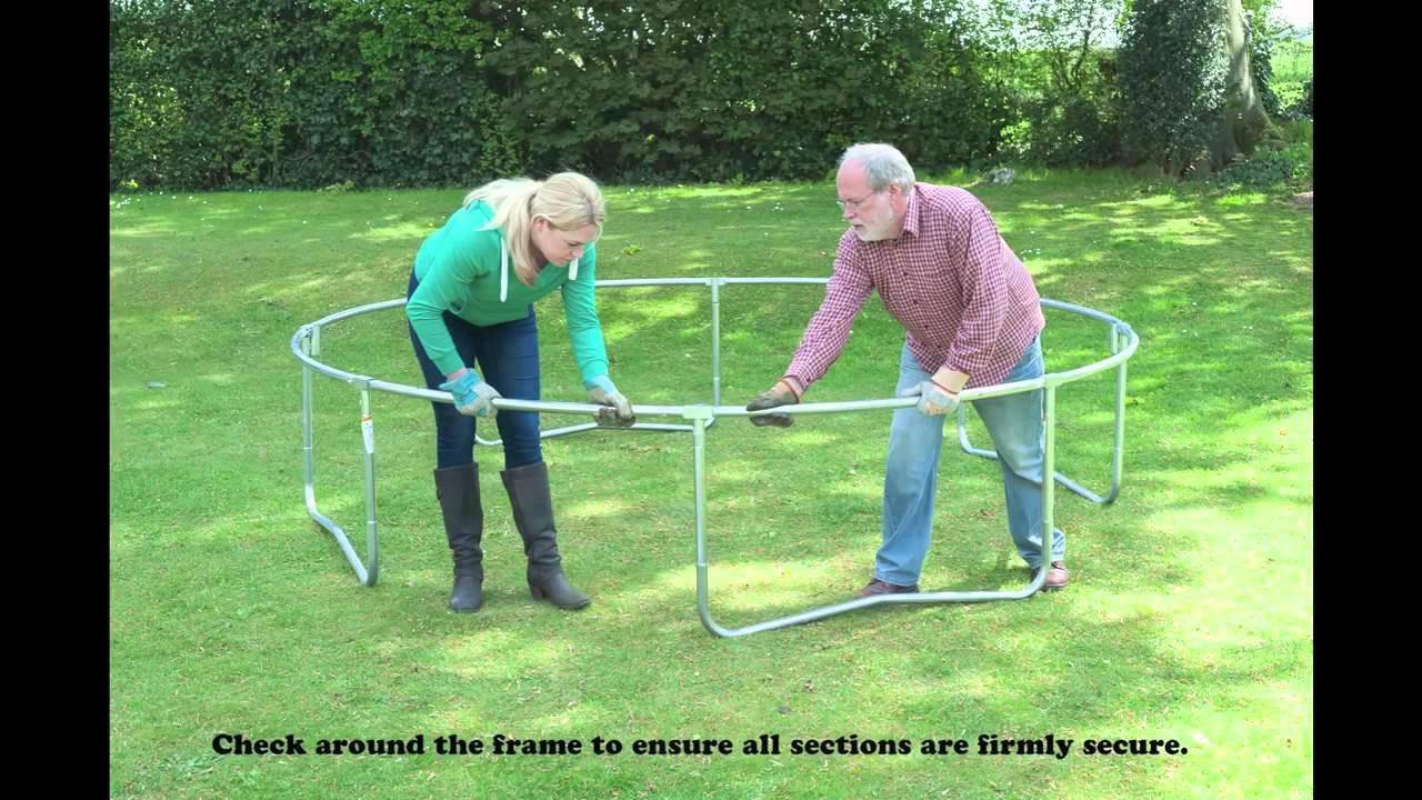 tutoriel de montage d 39 un trampoline jumpking youtube. Black Bedroom Furniture Sets. Home Design Ideas