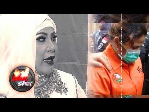 Elvy Sukaesih Terpukul Anak dan Menantu Terjerat Narkoba - Hot Shot 25 Februari 2018