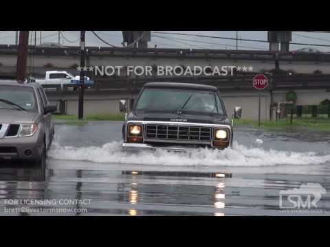 8-5-2017-New Orleans, La Flash Flooding, cars under water, deep water on roads, people walking