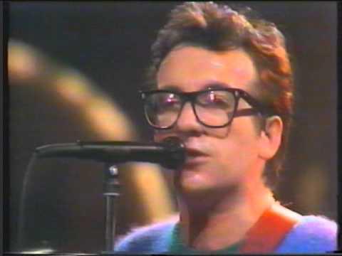 Elvis Costello Swedish TV Nov 1983 - Shabby Doll & interview mp3