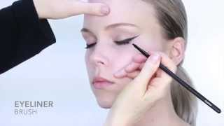 Nicci Welsh eyeliner brush Thumbnail