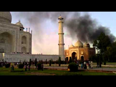 Effects of pollution on taj mahal