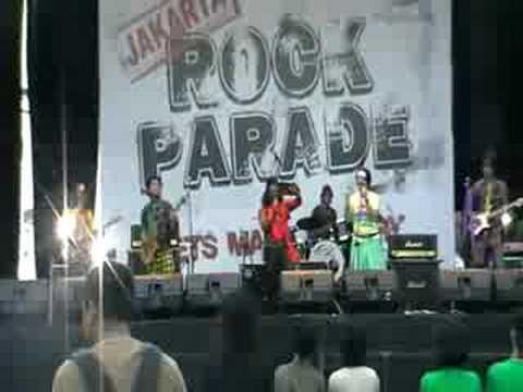 Jiung live at Jakarta Rock Parade (song 1)