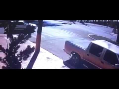 Roncador: Vídeo mostra momento exato do acidente envolvendo uma motocicleta e um caminhão Baú, na Avenida São Pedro