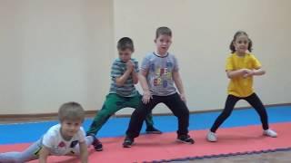 Позиция мабу - урок по ушу с маленькими детьми в Одессе - учим позицию мабу
